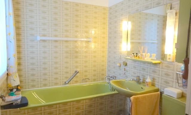 2. Badezimmer mit Wanne