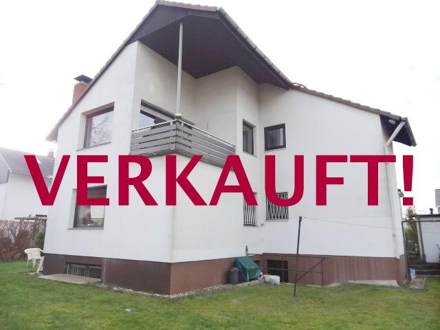 Charmantes, freistehendes Ein-Zweifamilienhaus mit großem Gartengrundstück + Garage in Ratingen