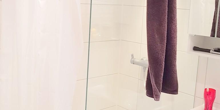 1. OG rechts Dusche