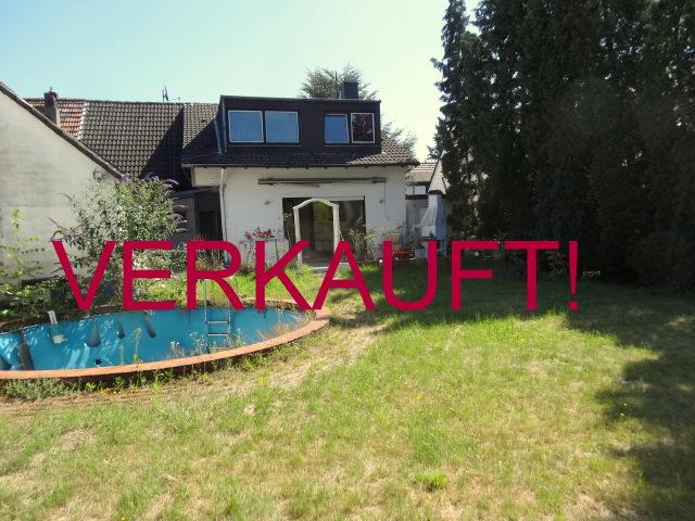 VERKAUFT! Schönes Doppelhaus mit Garten und Garage in der Vogelsiedlung in Unterrath/Grenze Stockum