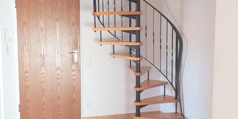 Eingang mit Treppe