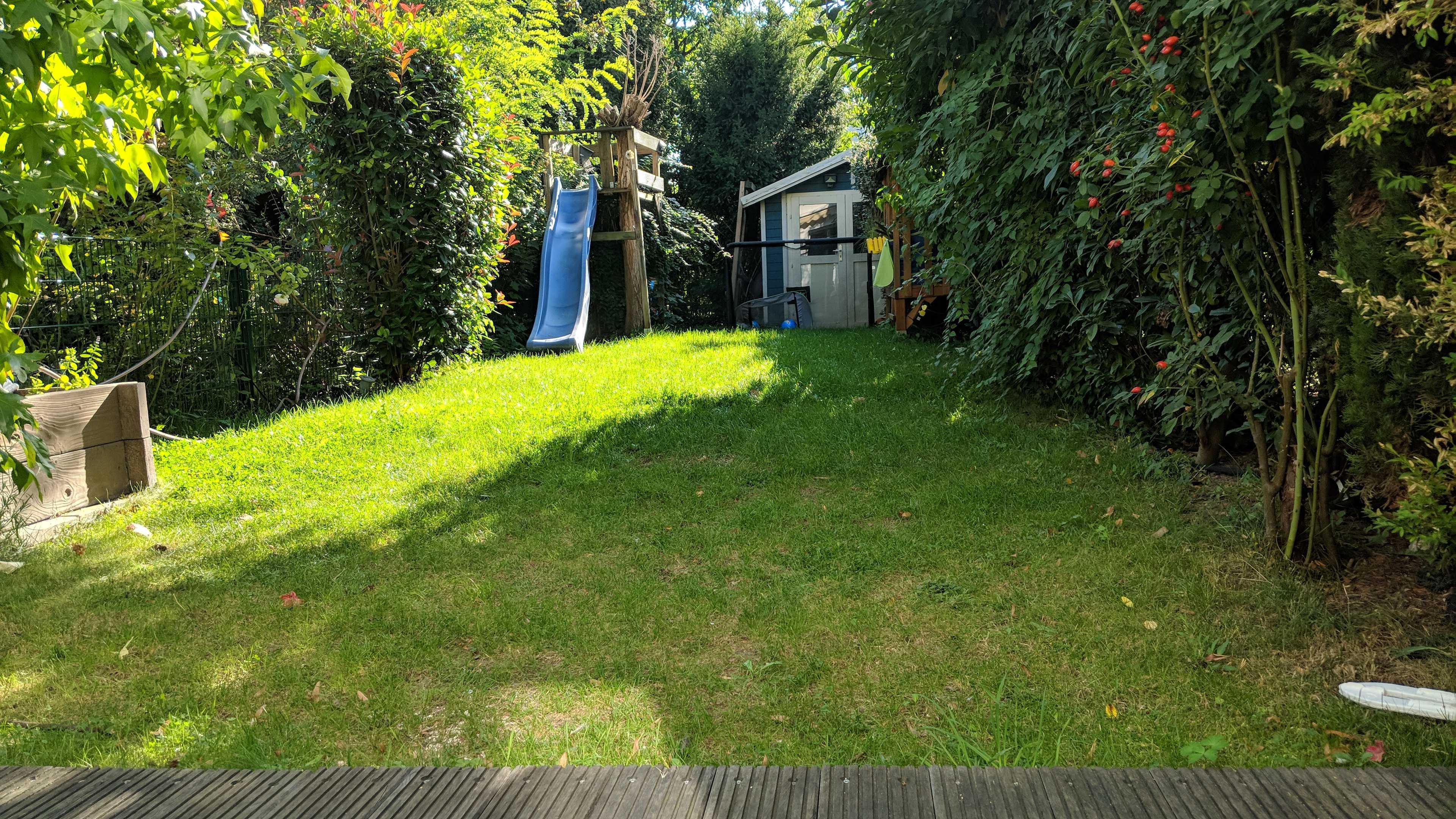 Schönes Reihenmittelhaus mit Garten und Carport im begehrten Stadtteil Golzheim