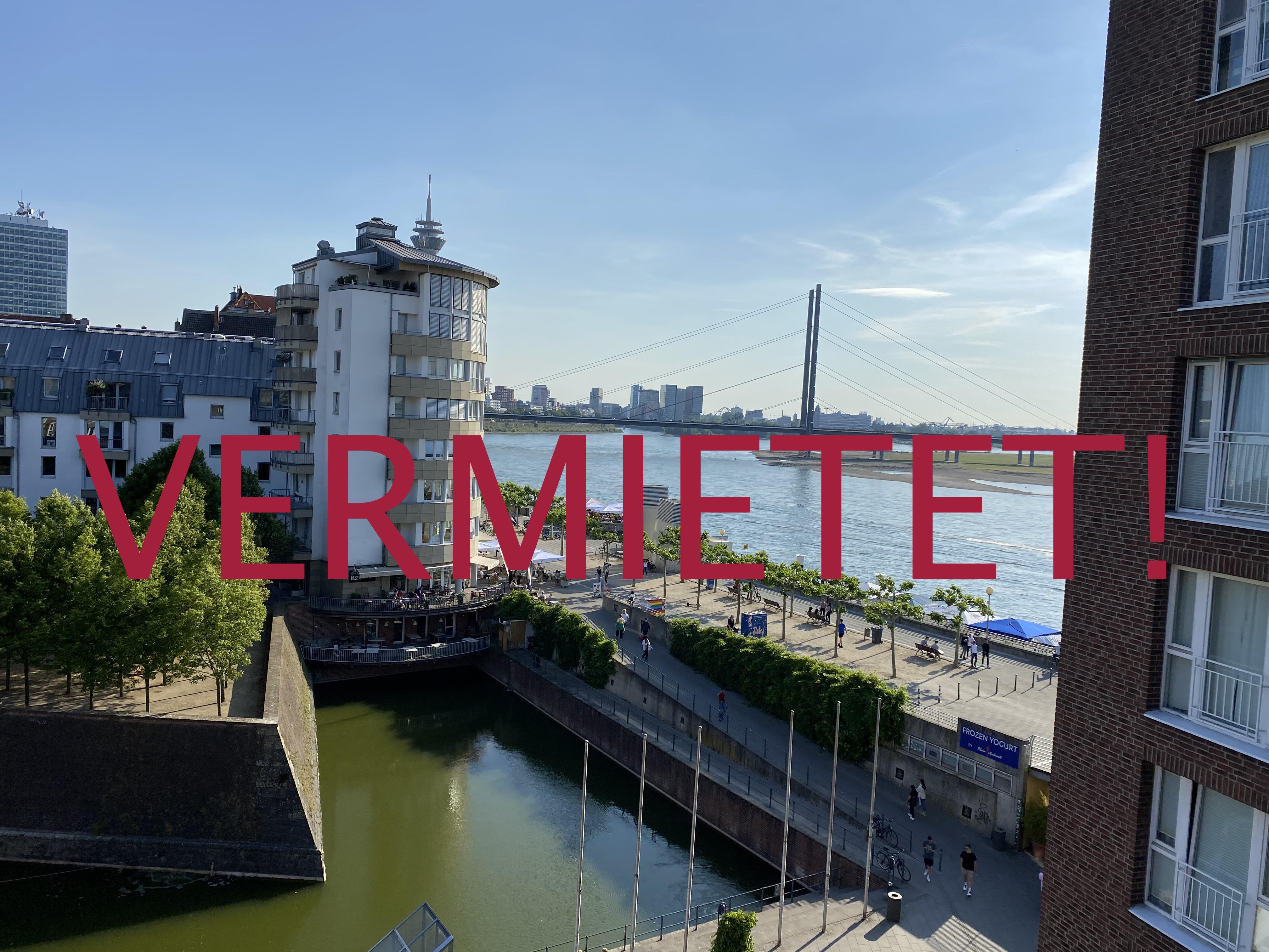 """VERMIETET! """"Traumhafte Maisonette-Wohnung mit Rheinblick im Herzen der Düsseldorfer Altstadt mit Tiefgaragenstellplatz"""""""