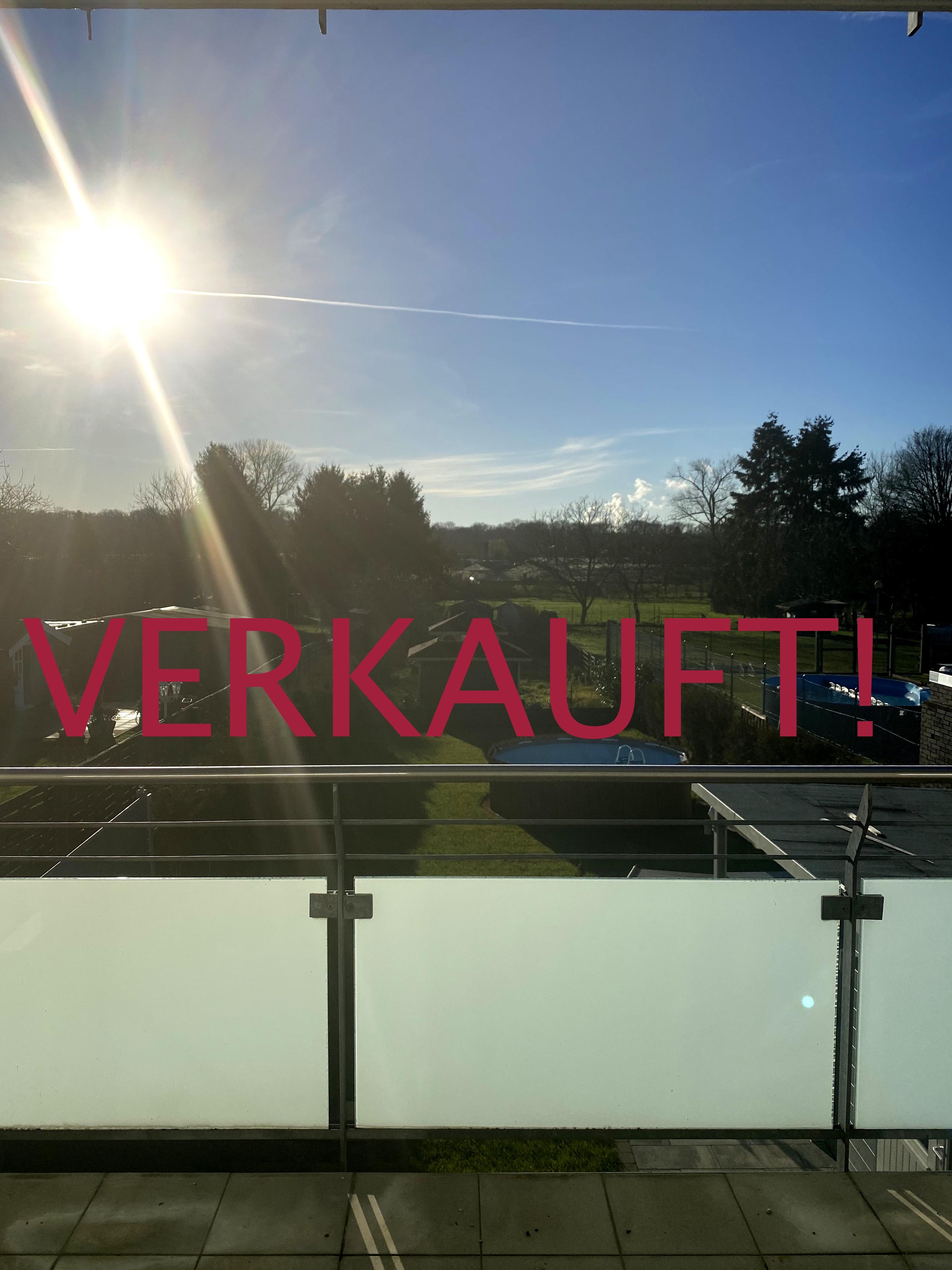 VERKAUFT! Neuwertige Etagenwohnung mit Garage und Garten zur alleinigen Nutzung in Dormagen-Delhoven