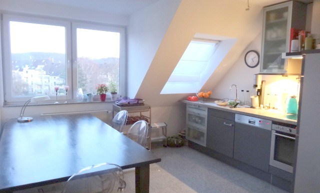 Offener Küchen- und Essebereich