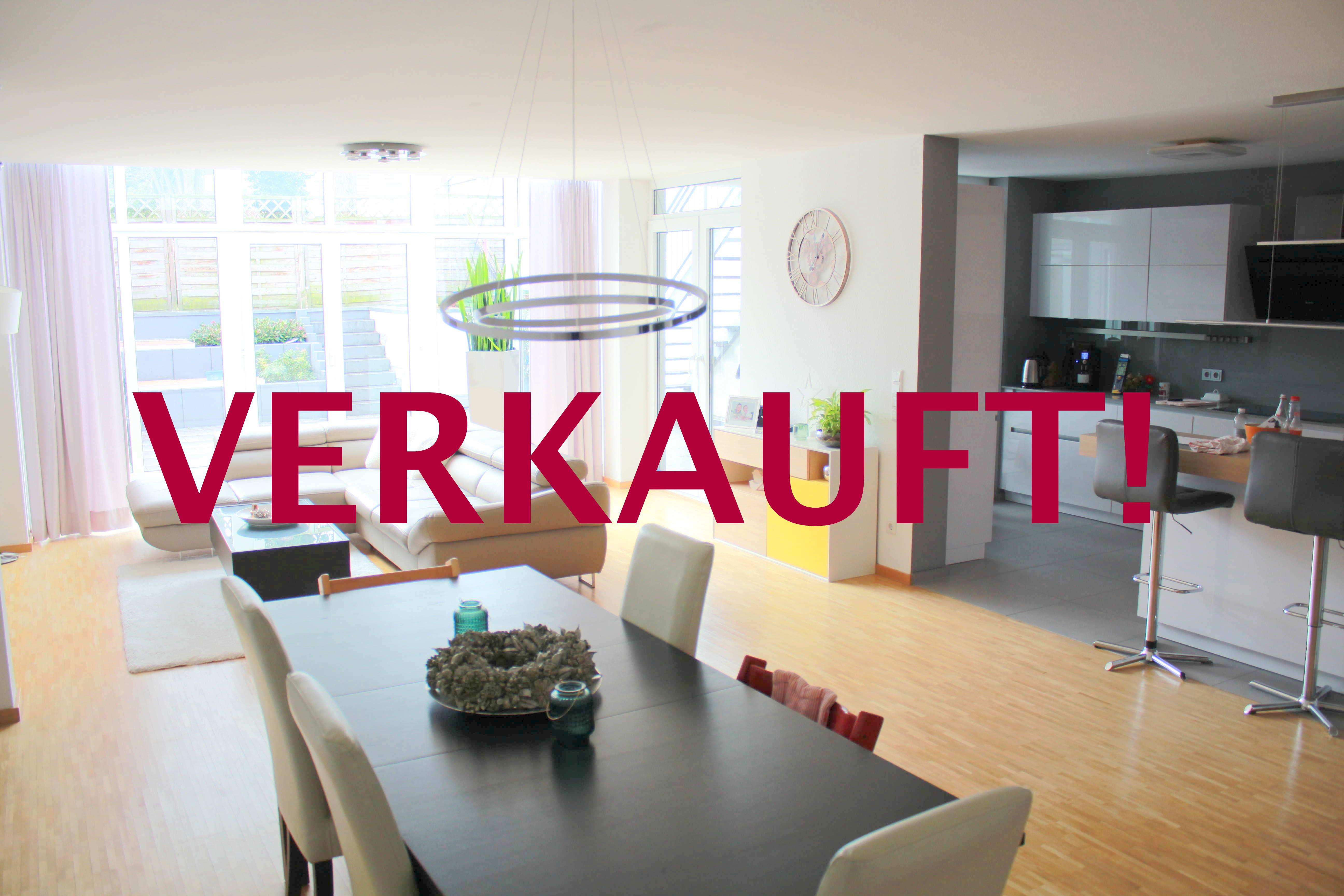 Exklusive Gartenwohnung über 2 Ebenen im Haus-in-Haus Stil mit Garage in Niederkassel-Lotharviertel