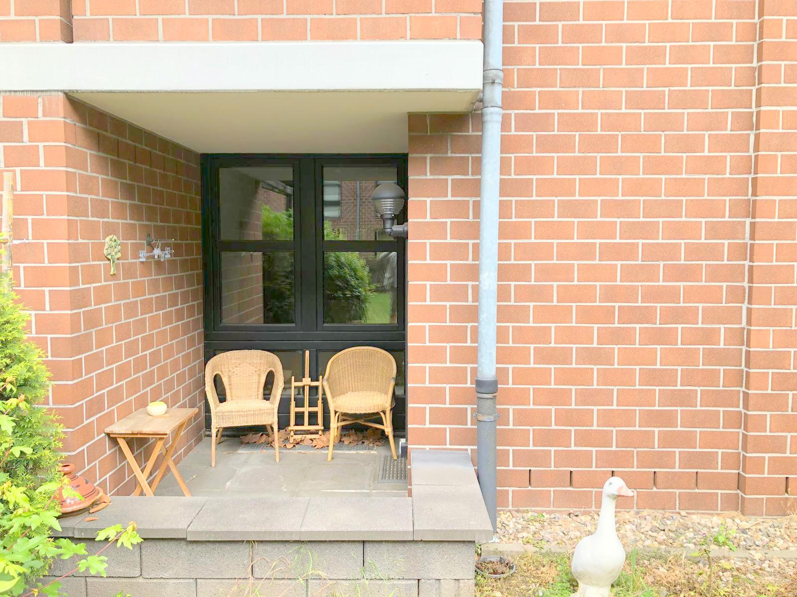 Komfortable Eigentumswohnung (Hochparterre) mit Loggia und Tiefgaragenstellplatz in Unterrath